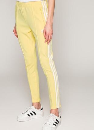 Спортивные штаны adidas три полоски с лампасами адидас