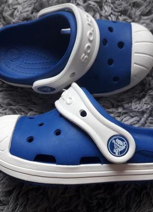 Босоножки  шлепки crocs
