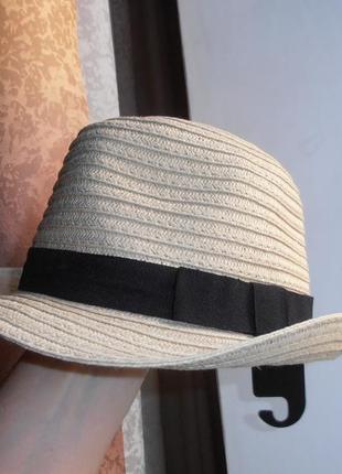 Шляпа соломенная .