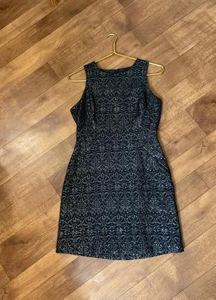 Чёрное платье с серебром