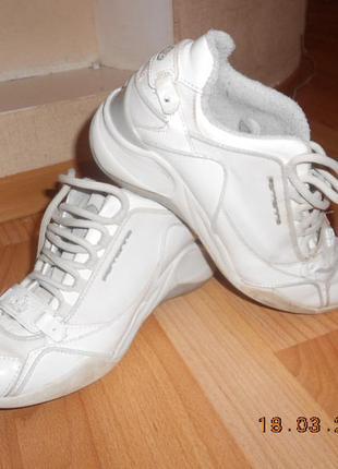 Классные кроссовки на платформе, 37р