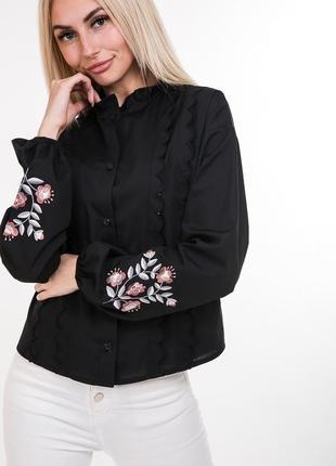Модная женская вышиванка
