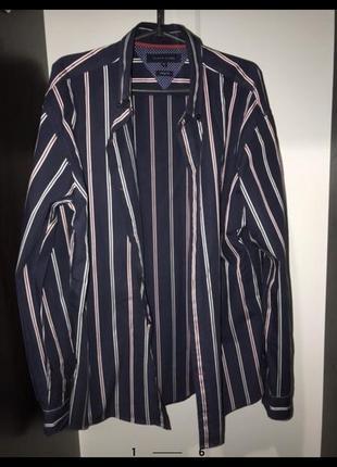 Рубашка tommy hilfiger в идеальном состоянии