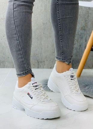 Белые кроссовки, стильные кроссовки под бренд