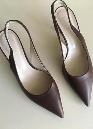 Кожаные туфли лодочки бренд bally  кожаные босоножки бренд bally