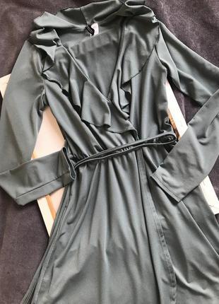 Сукня, плаття на запах, на довгий рукав