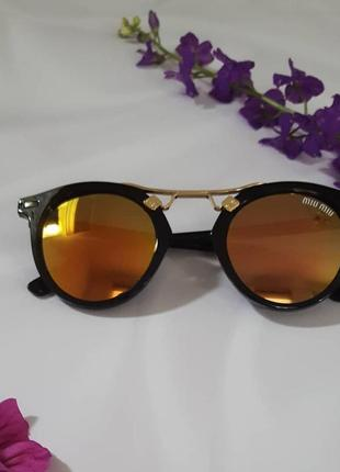 Сонцезахисні окуляри (італія)
