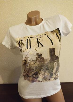 Тоненькая котоновая футболка