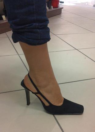 Элегантные замшевые туфли casadei (оригинал)