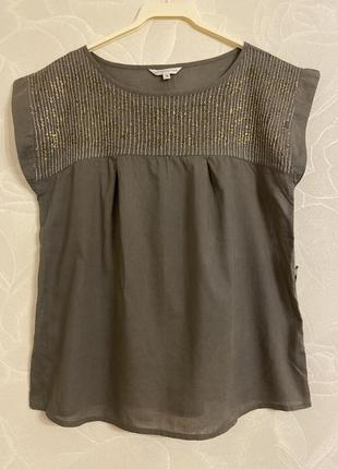 Красивая блуза хаки с паетками
