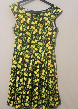 Весеннее платье в лимоны