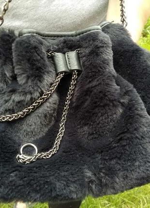 Женская меховая сумочка