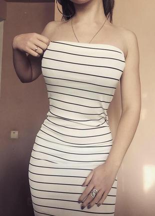 Платье в полоску обтягивающее