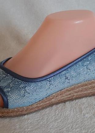 Легкие туфли, босоножки фирмы damart p.39 стелька 25,5 см