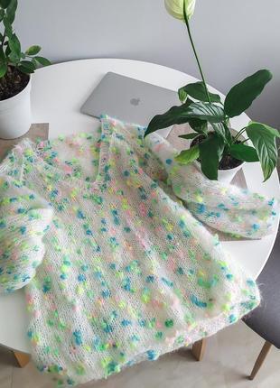 Шикарный мохеровый свитер с v-образным вырезом. в наличии! есть цвета.