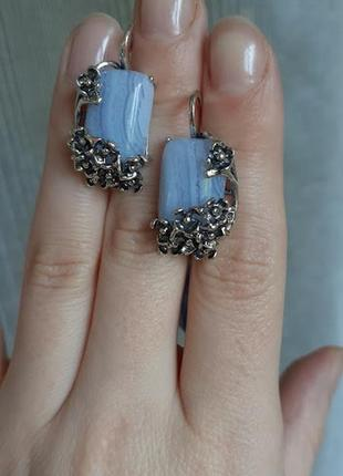 Нежные  серебряные серьги с голубым  агатом