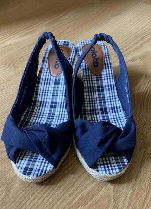 Новые босоножки туфли сандали летняя обувь на танкетке каблуке