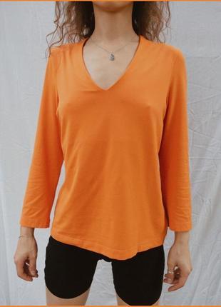 Ярко оранжевая кофта