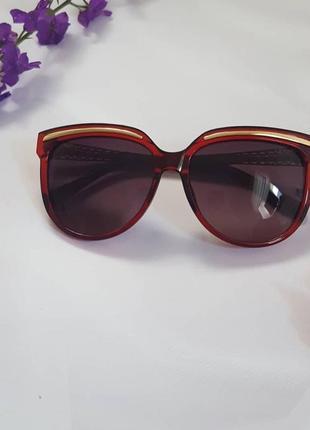 Сонцезахисні окуляри з uv захистом ( італія)