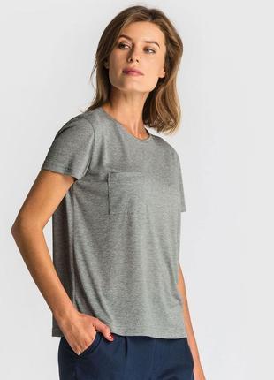 Серая базовая футболка
