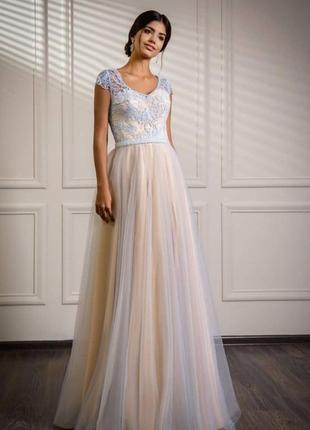 Вечернее платье, свадебное, фатиновое на выпускной