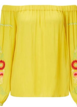 Шикарная блуза ярко жёлтого цвета с вышитыми рукавами и открытыми плечами