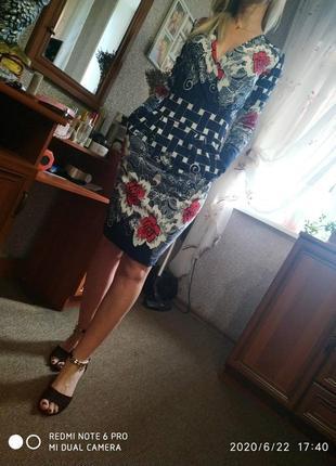 Миди платье в цветочный принт карманами-s m 44р