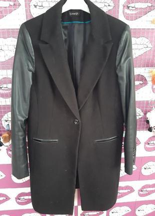 Пальто с рукавами из экокожа