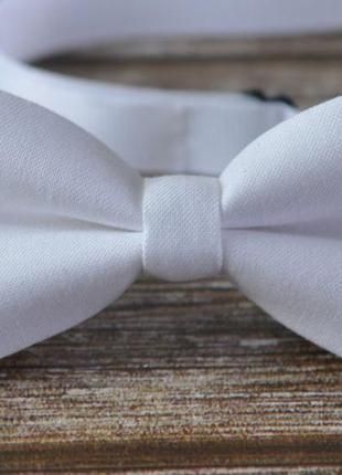 Галстук - бабочка двойная белая