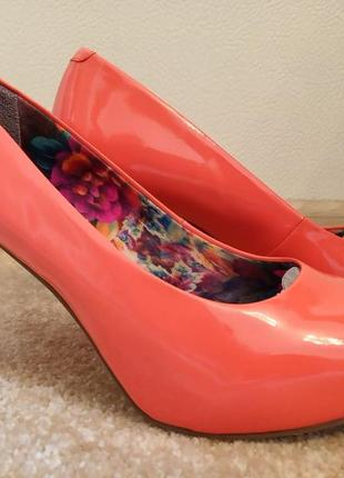Коралловые туфли madden girl + клатч в подарок