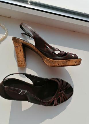 🌹кожаные босоножки с ремешком на пятке 🌹туфли на толстом каблуке