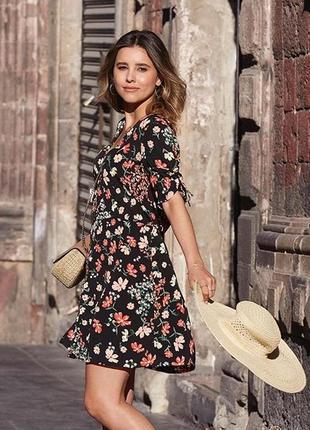 H&m платье в цветочный принт,s