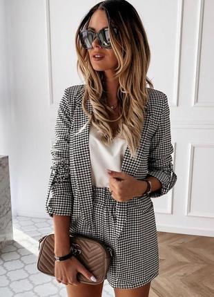 Костюм шорты на резинке и пиджак