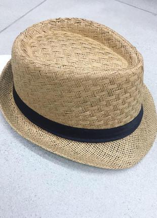 Шляпа с короткими полями