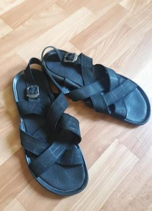 Натуральные мужские сандалии
