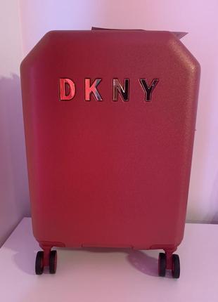 Красный чемодан для ручной клади бренда dkny оригинал из сша