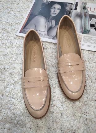 Тренд 2020!! кожаные нюдовые туфли лоферы,лакованые!