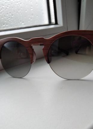 Очки женские в деревянной оправе