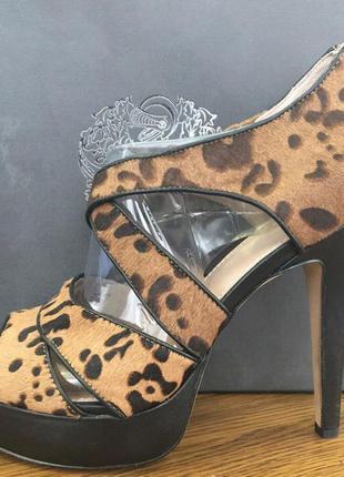 Новые леопардовые босоножки на высоком каблуке vince camuto
