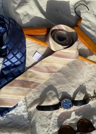 Шелковый галстук в косую полоску в нюдовых оттенках