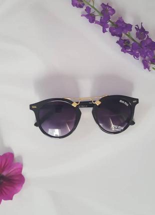 Сонцезахисні окуляри з uv захистом
