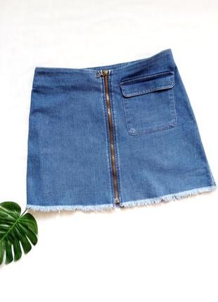 Актуальная джинсовая юбка  на молнии спереди denimco.