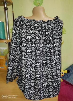 Нежная вискозная свободная блузочка с горловинкой на плечи--xl- xxl-janina