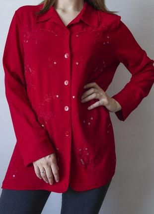 Шикарная блузка красного цвета, с вышивкой и пайетками
