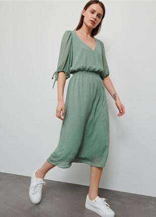 Летнее платье с вышивкой плюмети