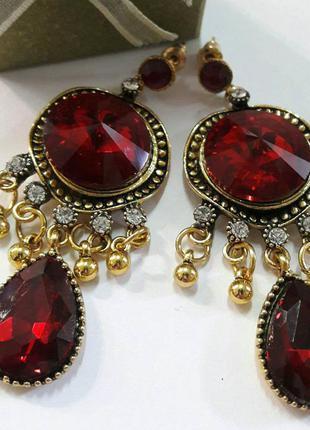 Сережки длинные, красные камни, круглый и капля.