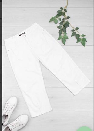 Стильные белые джинсовые шорты бриджи капри