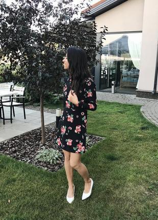 Красивенное короткое платье в цветы от asos .