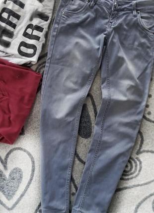 Лёгкие  укороченые джинсы