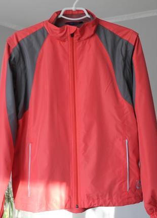 Нова курточка, вітровка в гори